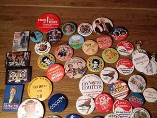 lot of 20   Collectable Pins