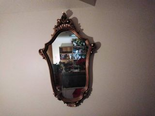 Wall Mirror With Victorian Style Frame