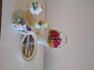 Musical Floral Ceramic Basket 1962 Old Country Roses and More