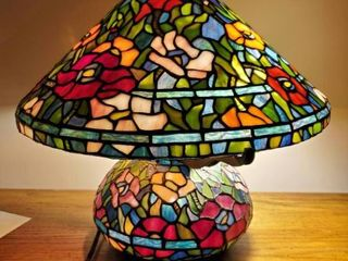 Dual Tiffany Style Floral Stain Glass lamp   Tested