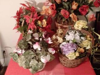 lot of 4 Baskets Planters Full of Faux flowers