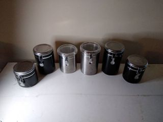 lot of 6 latched Canisters