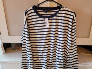 J  CREW BlUE AND WHITE STRIPED SHIRT SIZE SMAll