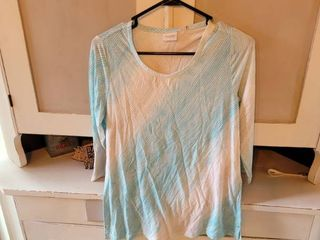 WEEKENDS BY CHICO S PACIFIC OMBRE SCOOP lONG TEE 3 QTR 3 4 SlEEVE lENGTH COlOR ClEAR AQUA SIZE 00
