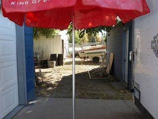 BUDWEISER UMBREllA AND STAND