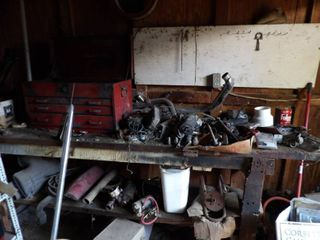 CONTENTS OF SHED EXClUDING YEllOW AND WHITE SHElVES