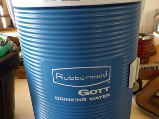 3 GAl  RUBBERMAID WATER JUG