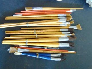 huge lot of artists paintbrushes