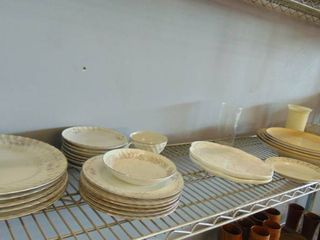 china plates   serving trays   glassware