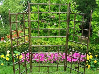 Mississippi 71 inch Decorative Trellis  Retail 251 99