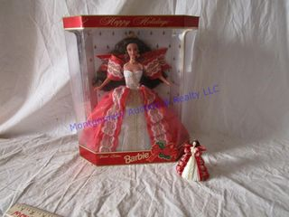 HOlIDAY BARBIE WITH ORNAMENT