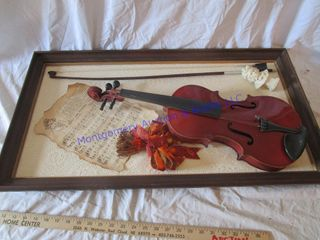 MOUNTED VIOlIN PICTURE