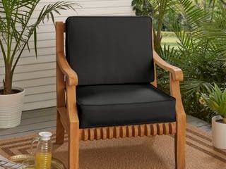 Sunbrella Indoor Outdoor Cushion Set  Corded   22  x 22  x 4  Retail 135 49