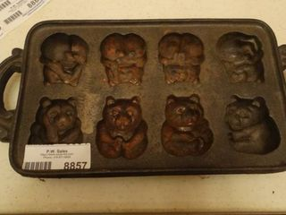 Cast Iron Bear Mold Pan