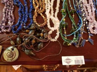 lot of Women s Necklaces