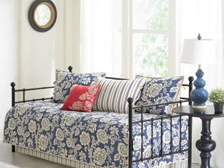 Madison Park Georgia Navy Printed 6 Pieces Reversible Daybed Cover Set  Retail   92 65