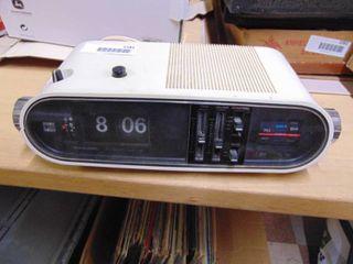 Realistic Digichron 5 clock Radio