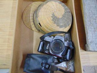 Chinamans har and Minolta Camera