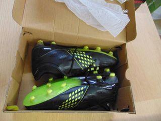 Brava Soccer Cleats   MENS 8