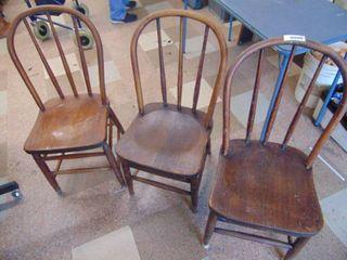 3 Oak Bentwood Chairs   Pretty Nice