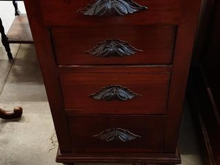 WAlNUT 4 DRAWER CHEST