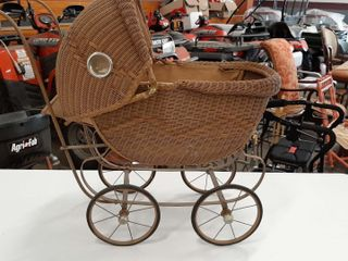 WICKER BUGGY