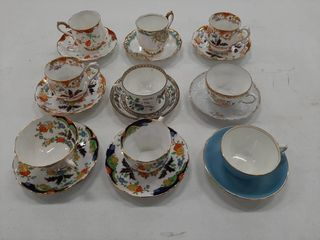 9  ASSORTED CUPS AND SAUCERS   ROYAl AlBERT