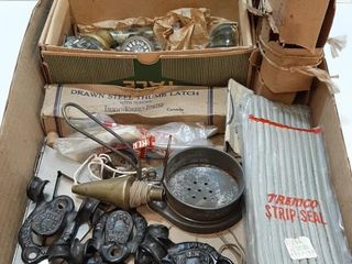 lOT   ASSORTED VINTAGE HARDWARE