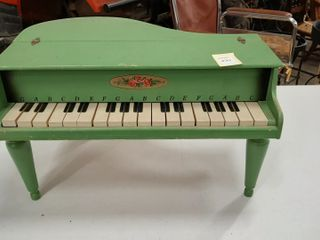 WOODEN CHIlDS PIANO