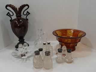CRUET  ASSORTMENT OF SAlT AND PEPPERS  BOWl