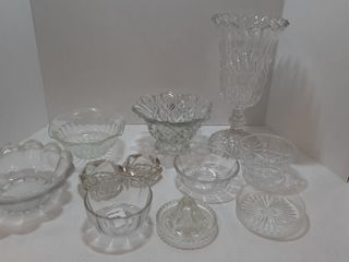 ASSORTMENT OF GlASSWARE   VASE  BOWlS