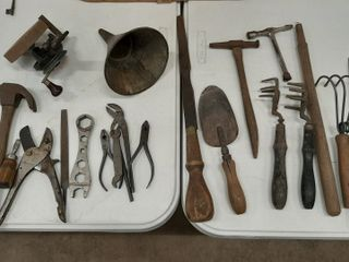 lOT   ASSORTED TOOlS