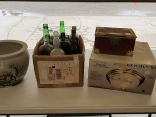 lOT   BOWl  BOX OF BOTTlES  FlUSHMOUNT