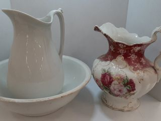 lOT   ASSORTED PORCElAIN PITCHERS