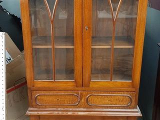 MAHOGANY VICTORIAN ERA CHINA CABINET WITH