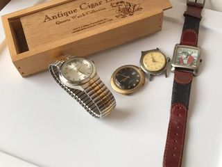 4  Vintage Watches  Wood Watch Box