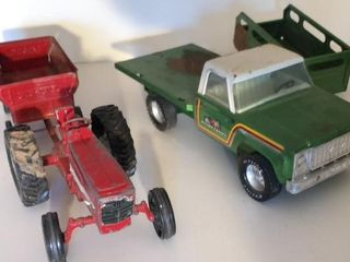 IH Tractor  ERTl Wagon  and Green Truck Trailer