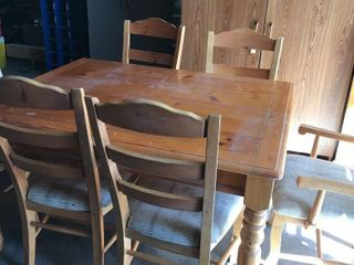 54IJ x 42IJ Pine Table With Chairs