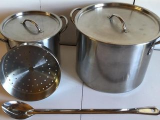 Stainless Steel Stock Pots with ladle