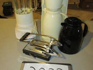 Cuisinart coffee maker  Kitchen air blender