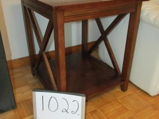 Pair of end tables 22  x 24  x 25 25  H