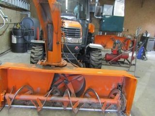 Kubota l5030 tractor with front mount snow blower