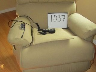 lazy Boy lift chair with heating pad