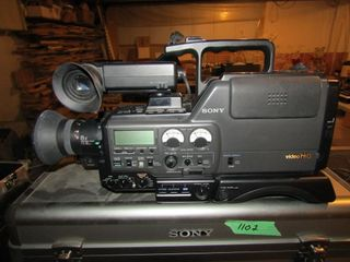 Sony Hi8 Pro video camera recorder with case