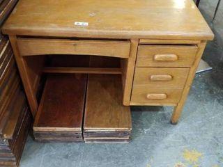 Oak Desk 42 inches l x 30 inches D x 31 inches T