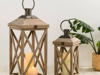Glitzhome Set of 2 Modern Farmhouse Wooden lantern   24 17  Retail 89 99