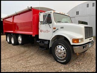 ***1999 International 4900 Tandem Axle Grain Truck, 102