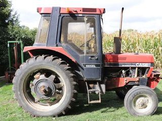 CASE IH 685Xl TRACTOR   3311 HOURS