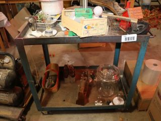 METAl 4 WHEEl CART TABlE   CONTENTS NOT INClUDED