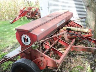 IH 16 ROW DOUBlE DISC DRIll